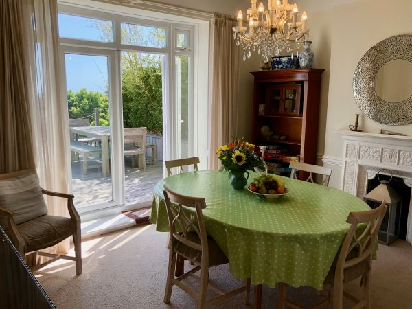 cliff house dining room | Gills Cliff House Accommodation - Ventnor Self Catering